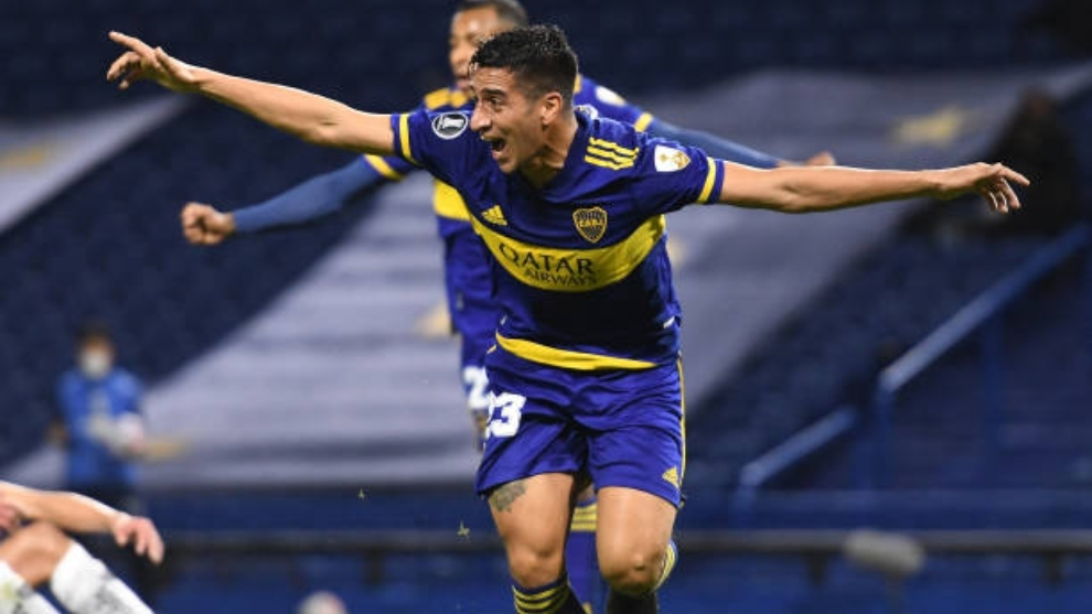 Diego González (33) celebra un gol con Boca Juniors.