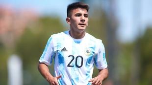 Thiago Almada (20) con la Selección Olímpica de Argentina.