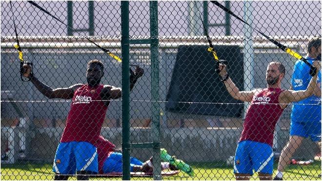 Umtiti y Pjanic, en un entrenamiento con el Barcelona.