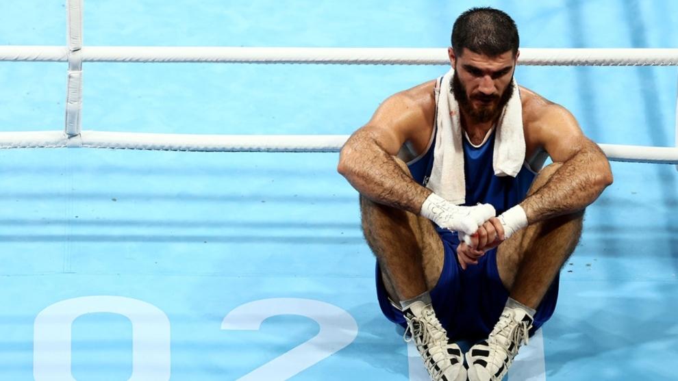 Tokyo 2020: Escándalo en Tokyo: El boxeador Mourad Aliev monta un circo  tras ser descalificado   MARCA Claro Argentina