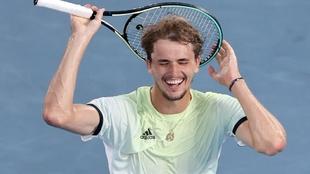 Alexander Zverev (24) celebra su triunfo en la final de los Juegos...