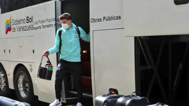 Julián llegando a Caracas.