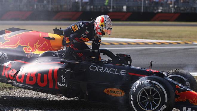 Max Verstappen terminó encima de Lewis Hamilton