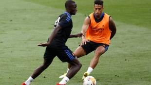 Ferland Mendy entrenando con el Real Madrid