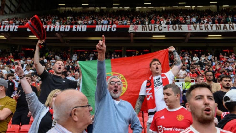 Aficionados del Manchester United en Old Trafford