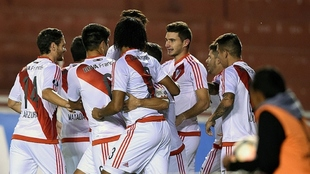 Jugadores de River Plate celebrando un tanto