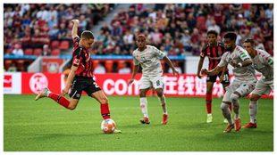 Wirtz remata con la derecha y anota el gol de la victoria del...