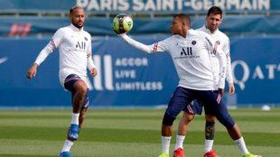 Neymar, Mbappé y Messi, el tridente de oro del PSG.