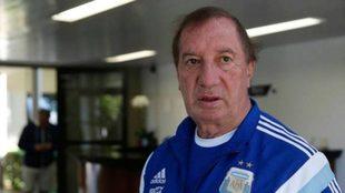 Bilardo no sabe que Maradona falleció.