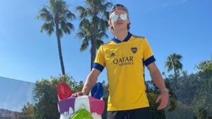 Haaland luciendo una camiseta de Boca Juniors