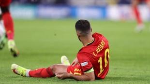 Hazard en el suelo durante el partido entre Bélgica contra Francia