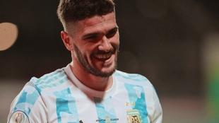 Rodrigo De Paul con la camiseta de la selección.