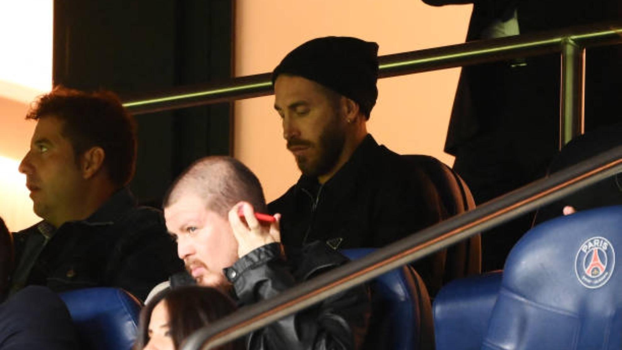 Sergio Ramos en la grada del PSG