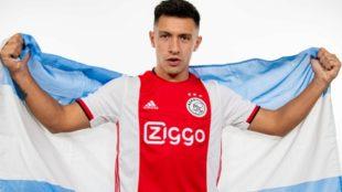 Lisandro Martínez con la camiseta del Ajax.