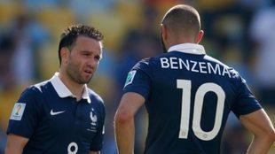 Valbuena y Benzema, en un partido con la Selección de Francia.
