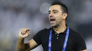 Xavi Hernández (41) durante un partido dirigiendo al Al-Sadd.