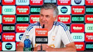 Carlo Ancelotti durante la conferencia.